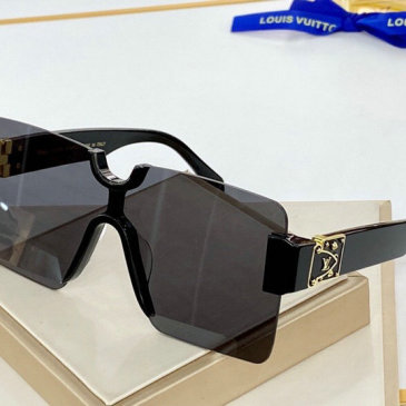 Louis Vuitton AAA Sunglasses #9874980