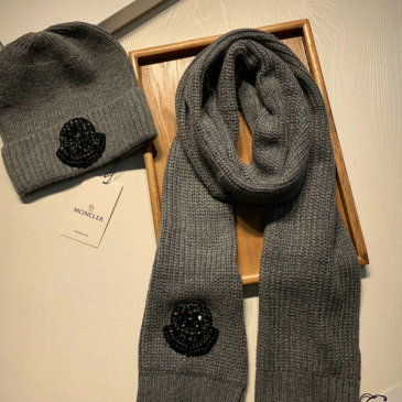Moncler Wool knitted Scarf and cap #999909570