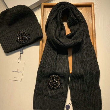 Moncler Wool knitted Scarf and cap #999909571