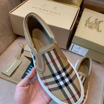 Burberry Sneakers for MEN #9128874