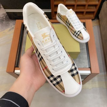 Burberry Shoes for Men's Sneakers #99905539