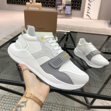 Burberry Shoes for Men's Sneakers #999909837