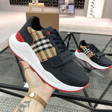 Burberry Shoes for Men's Sneakers #999909841