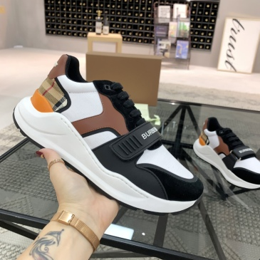 Burberry Shoes for Men's Sneakers #999909842