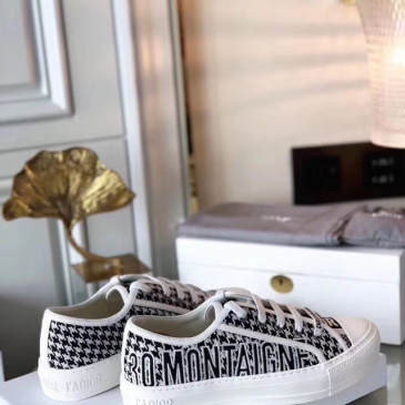 Dior Shoes New Women's Sneakers Classic casual sports shoes #9875221