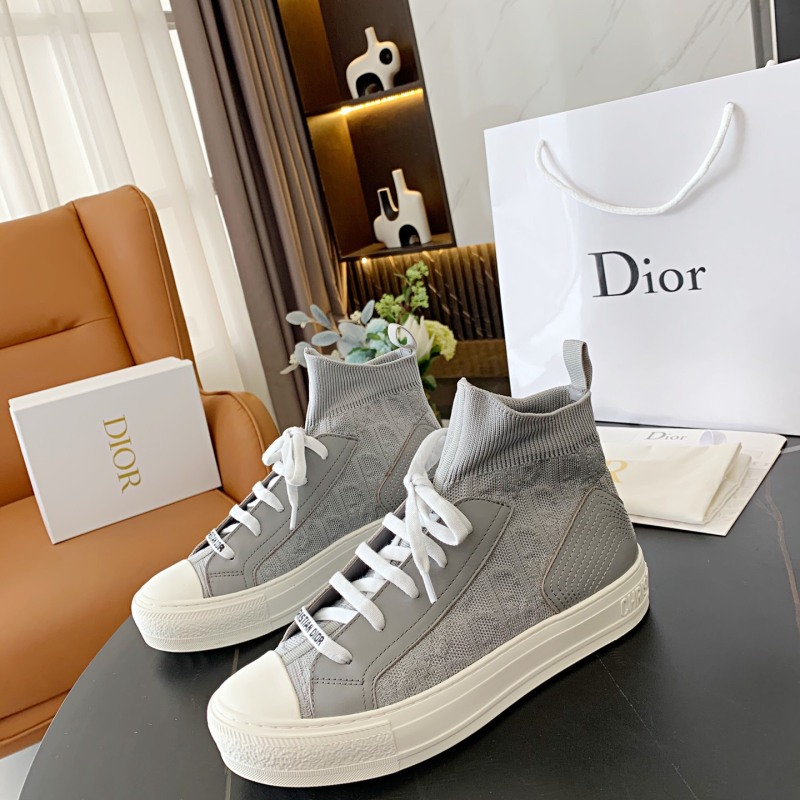Dior Shoes for Women's Sneakers #999901180
