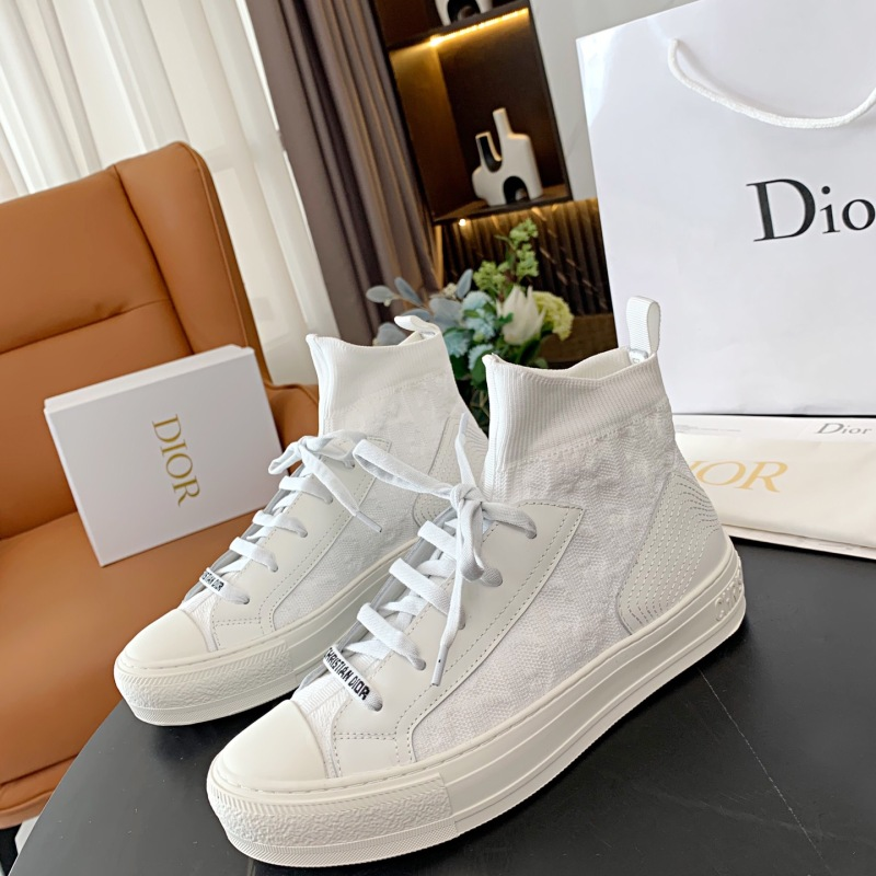 Dior Shoes for Women's Sneakers #999901182
