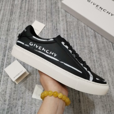 Givenchy Shoes Men's Givenchy Sneakers #9873492