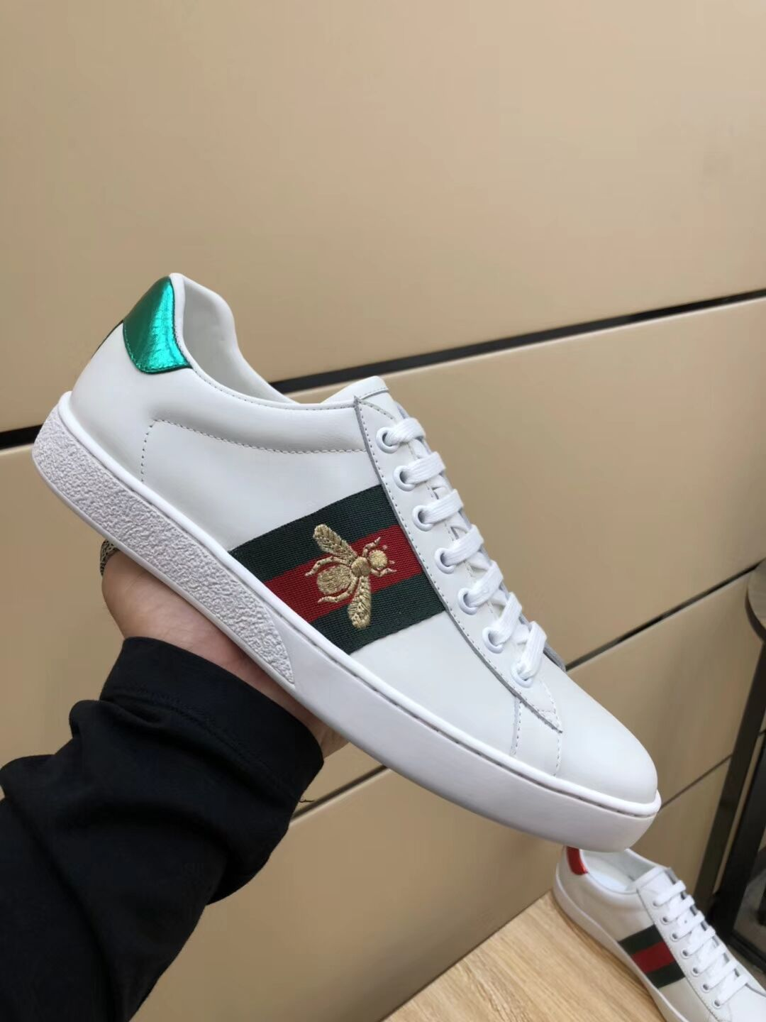 a9daddf3bda Mens Gucci Sneakers 1 1 original quality (come with A complete set of  packaging · Gucci Shoes for MEN  900230