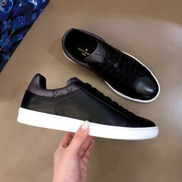 2020 Men's Louis Vuitton Shoes Luxembourg low-top sneaker Black / White #99116658