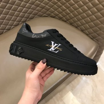 Louis Vuitton Men Women's Sneakers Luxury sports shoes made of silk cowhide #99874194