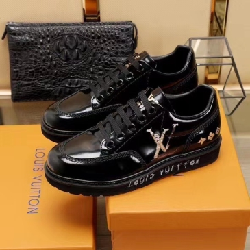Louis Vuitton New Black Sneakers Leather Designed Shoe #99874547