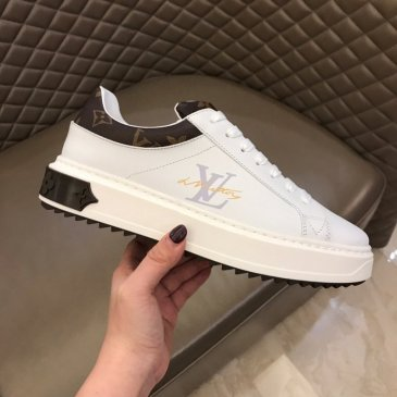Louis Vuitton Shoes Men Women's Louis Vuitton Sneakers Luxury sports shoes made of silk cowhide #99874193