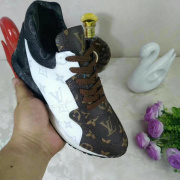 Louis Vuitton Shoes for men and women Louis Vuitton Sneakers #9104197