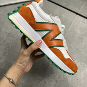 New balance / new Bailun 327 series present the n-shaped logo in an old embossed style, and shape suede and punched leather #9874279
